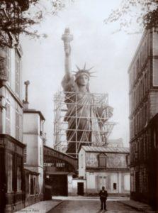 1884 - rue Chazelle - Statue de la liberté