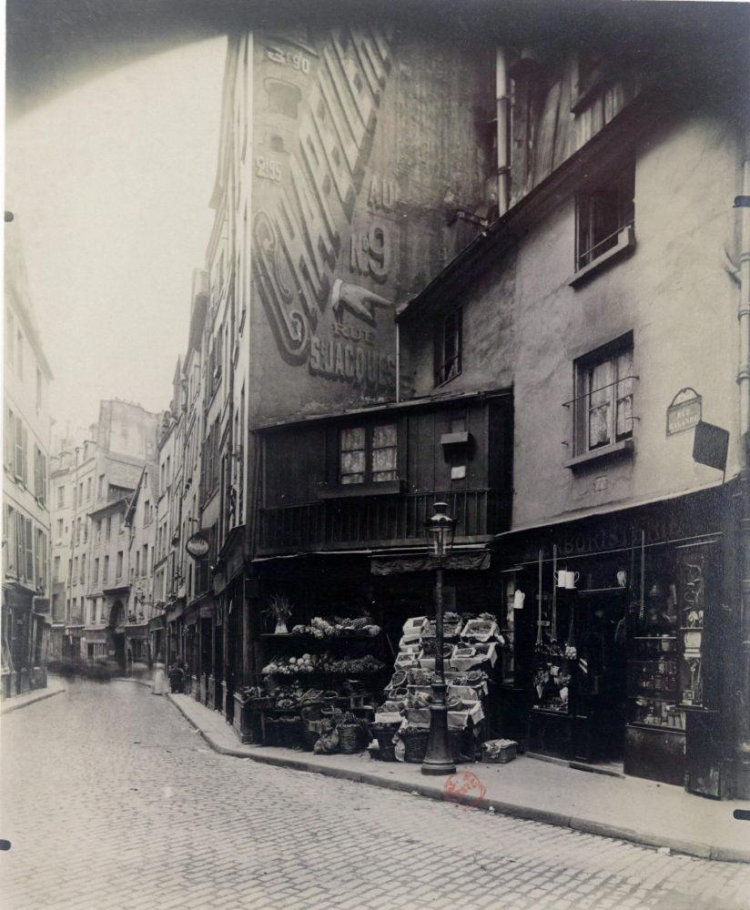 1899 - Eugène Atget - Coin rue Galande - Paris - Gallica