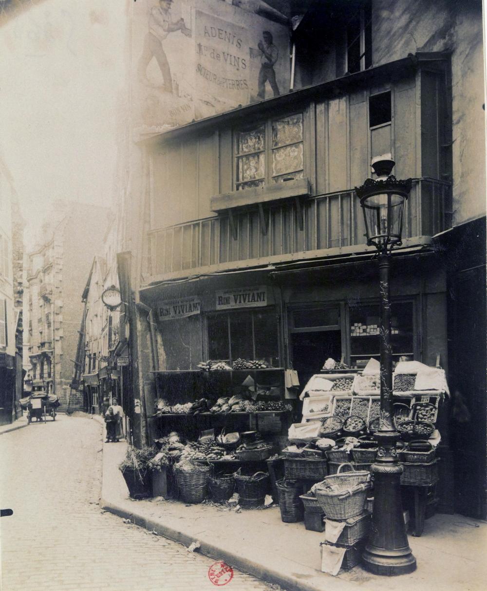 1906,Eugène Atget,Coin rue Galande,75, rue Galande,Paris,France
